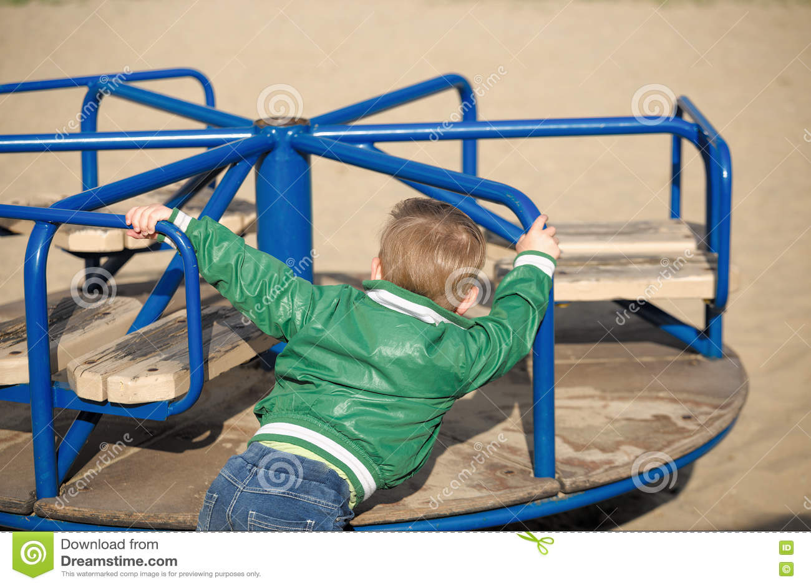 спортивная площадка игры детей предыдущая весна