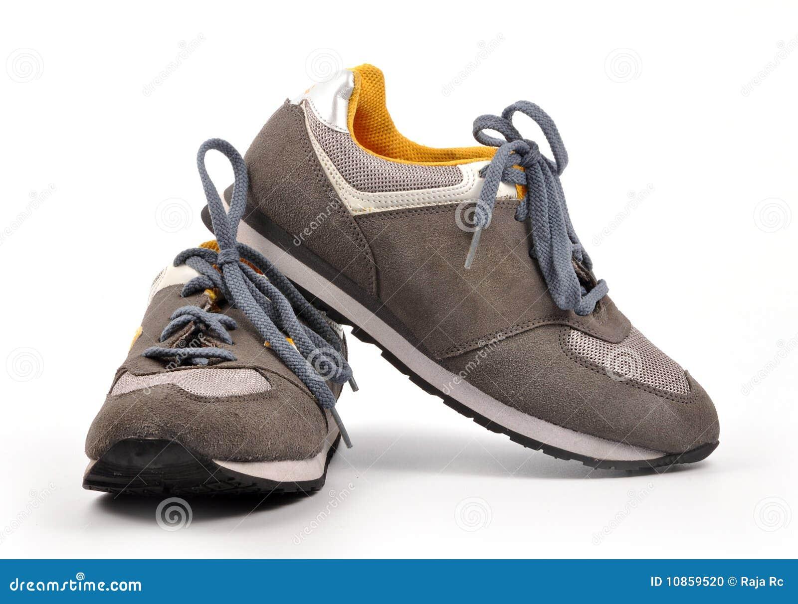 спорты ботинок