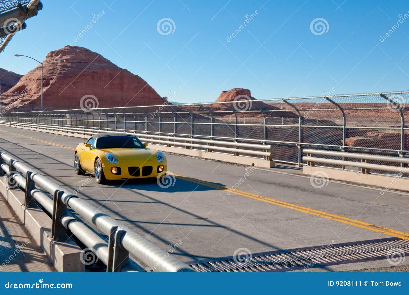 спорты хайвея пустыни автомобиля