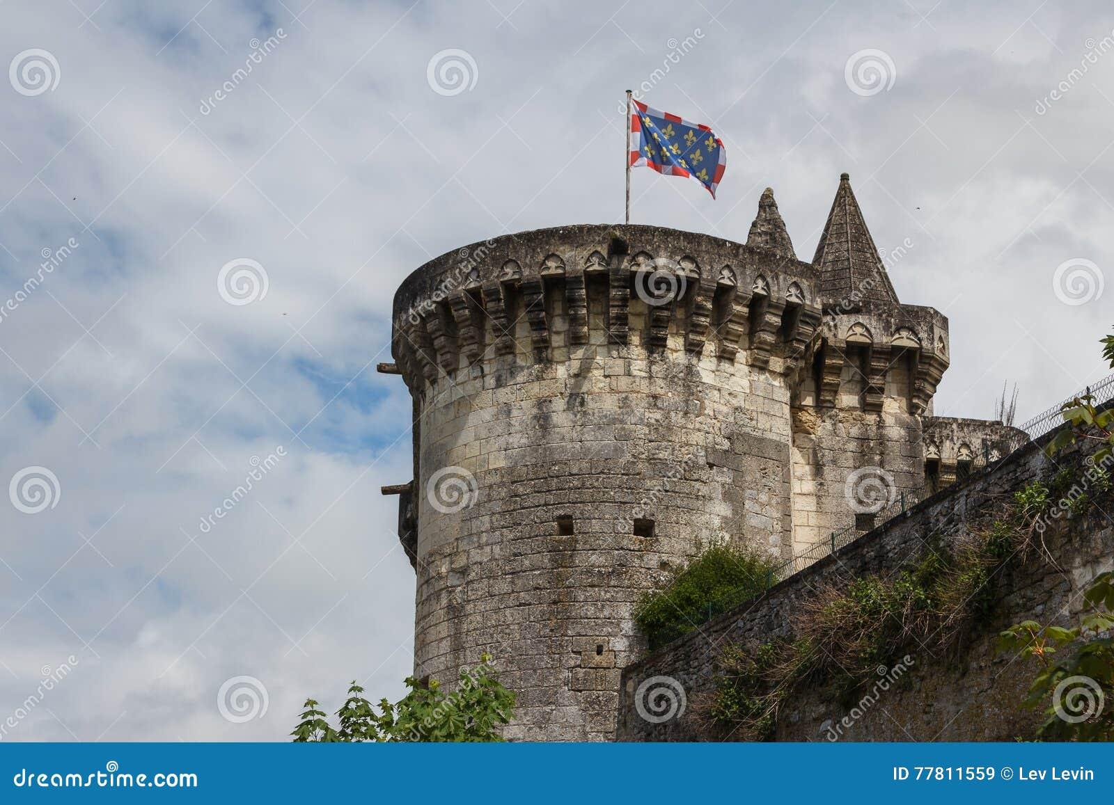 Средневековые стены Loches
