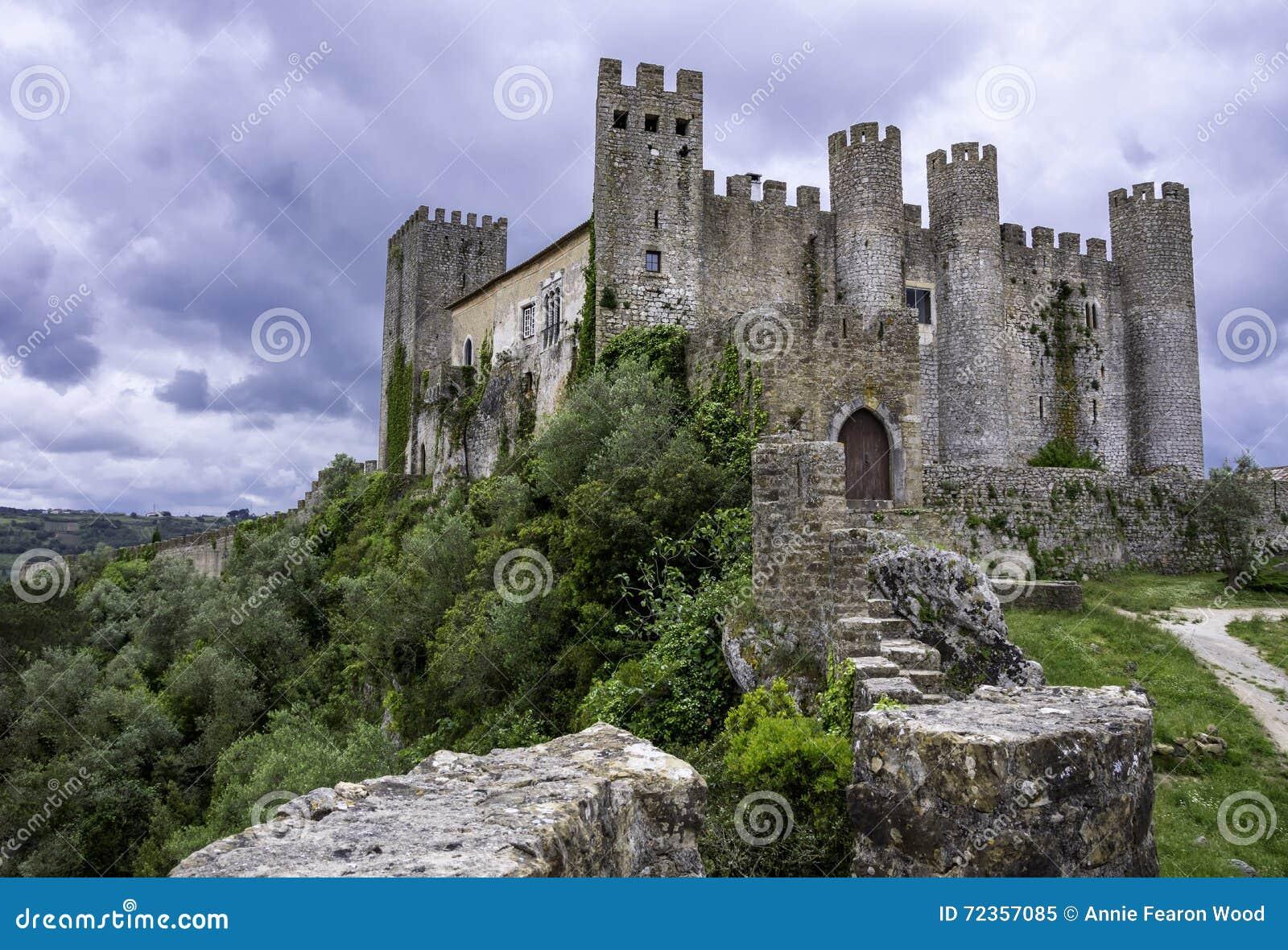 Средневековый замок, Португалия