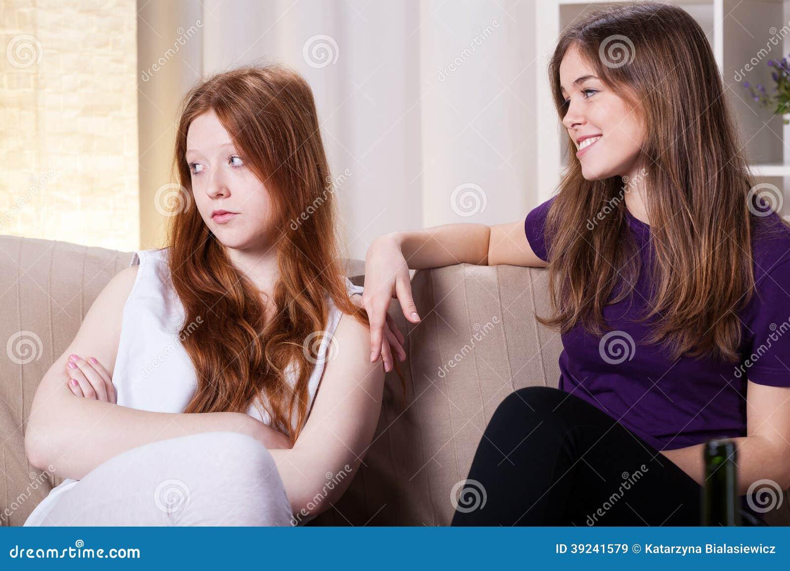Пришла подруга сестры, Приехала сексуальная подружка моей сестры 20 фотография