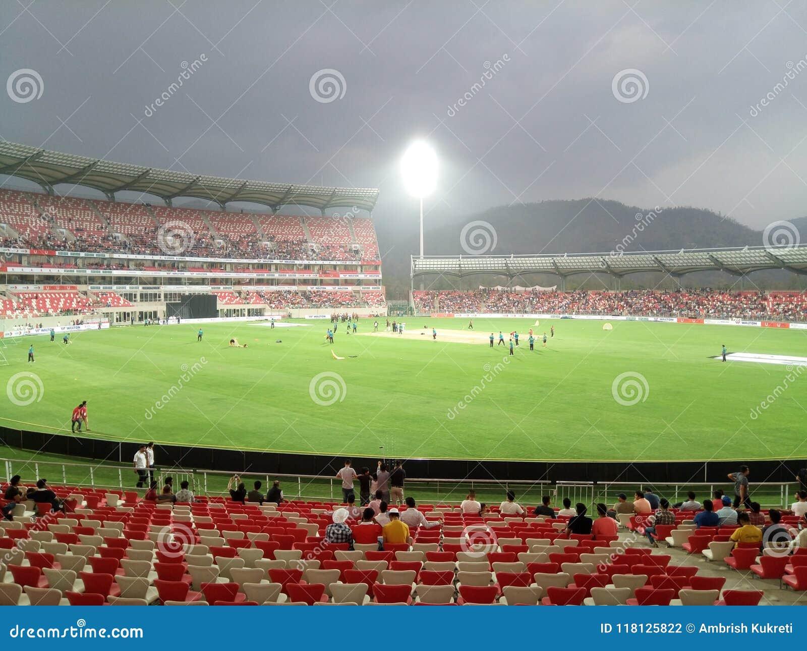 Стадион сверчка Rajiv Gandhi международный