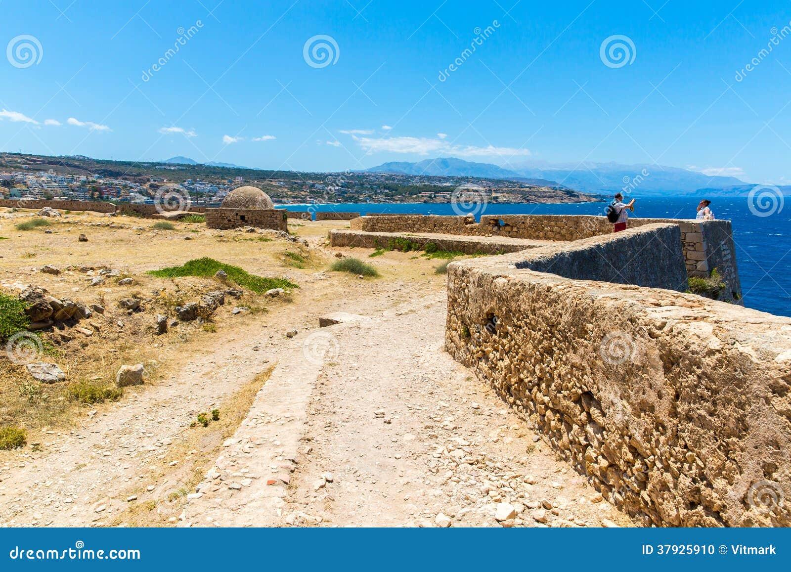 Старая венецианская гавань в Rethymno, Крите
