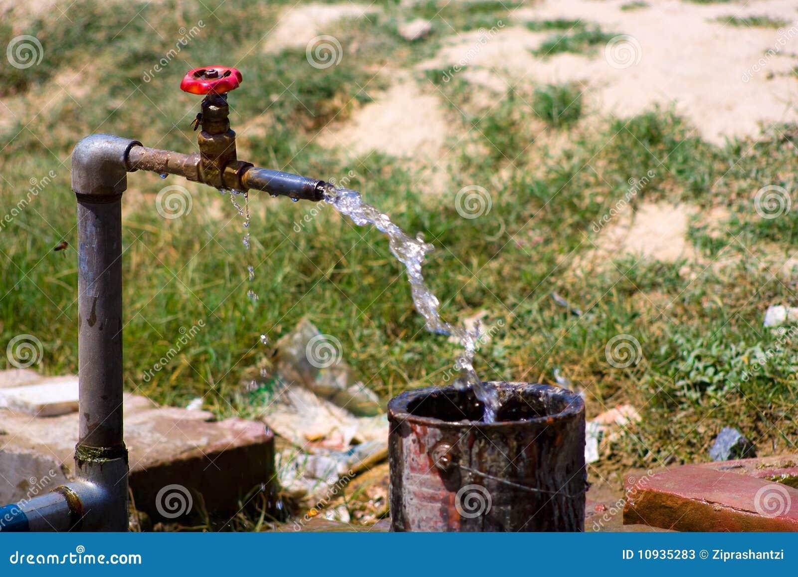 старая вода из крана