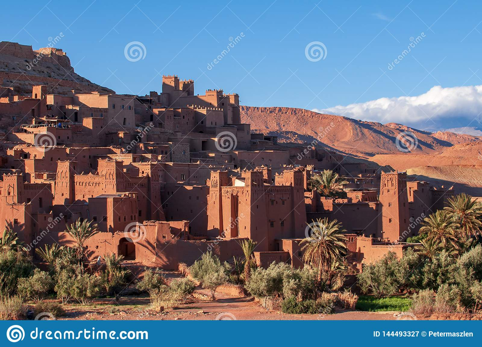 Старая деревня Помощ-Бен-Haddou kasbah в пустыне Марокко