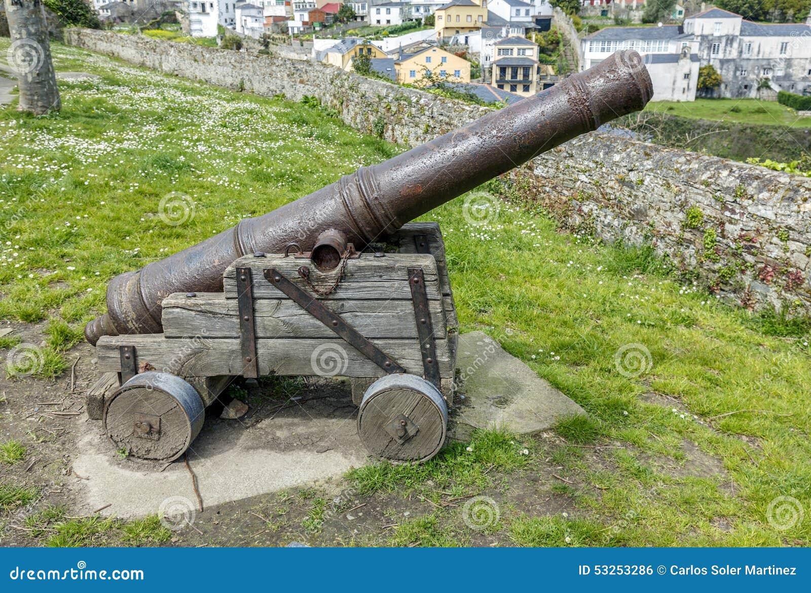 Старая оборона Ribadeo карамболя в Луго, Испании