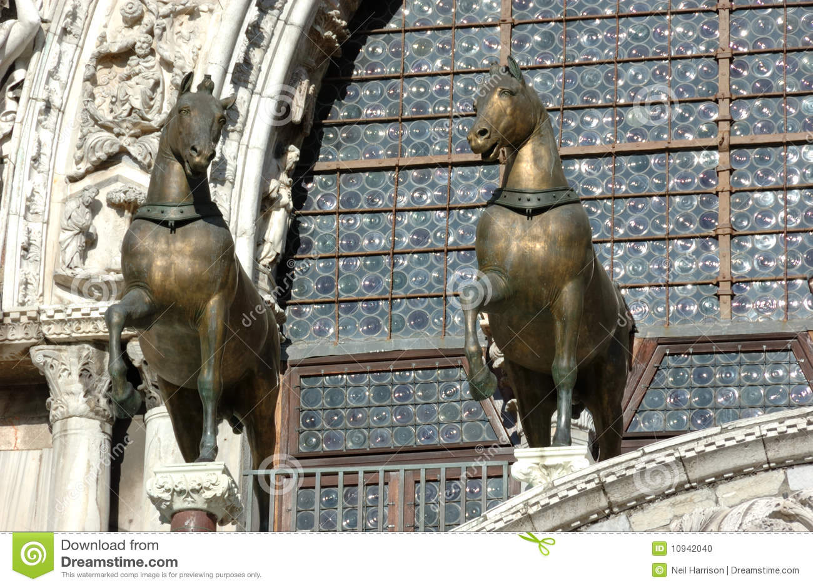 стародедовские бронзовые лошади
