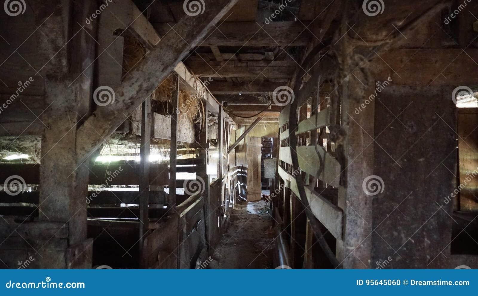 Старое ранчо внутреннее