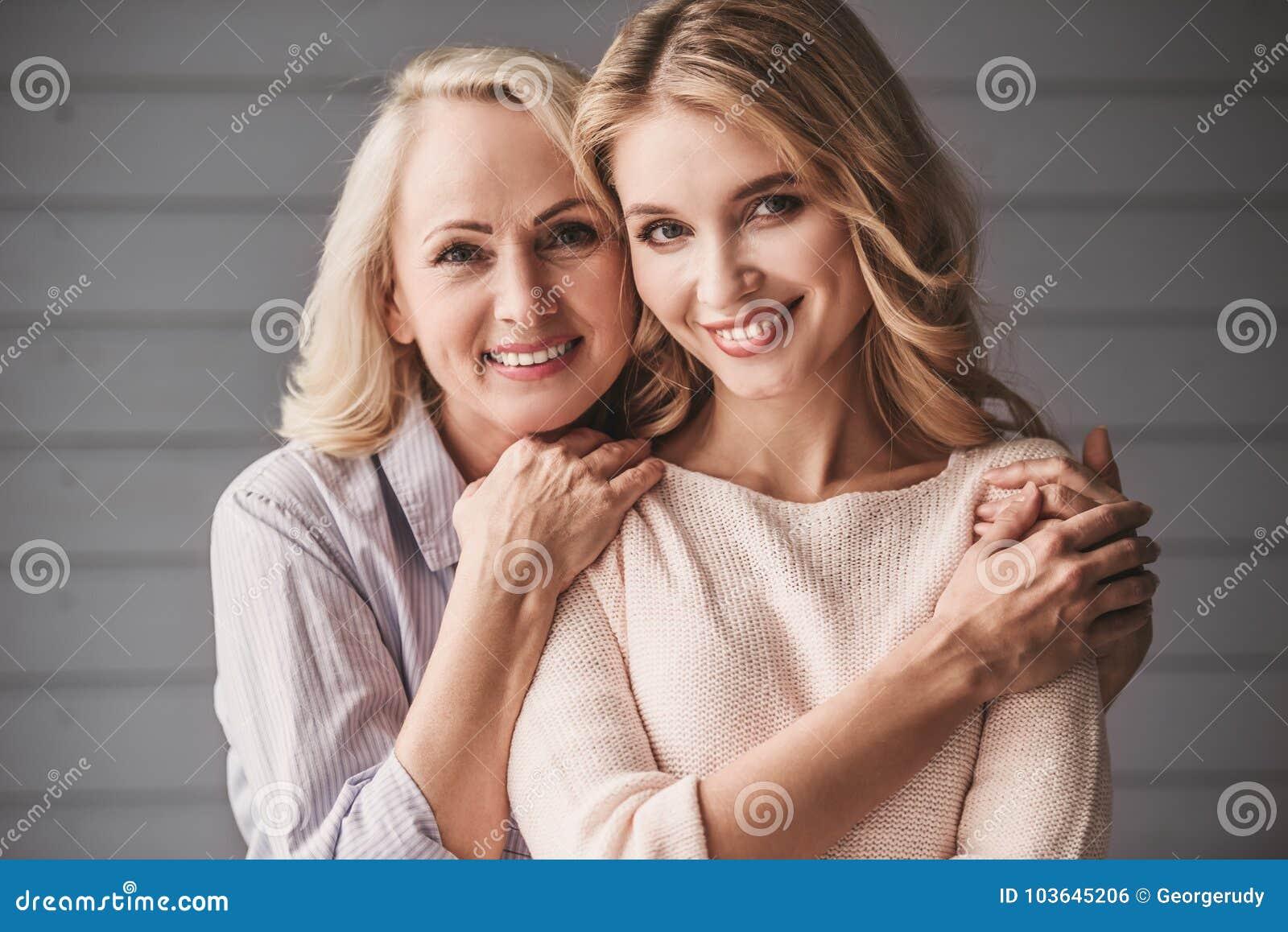 Фото взрослых мам