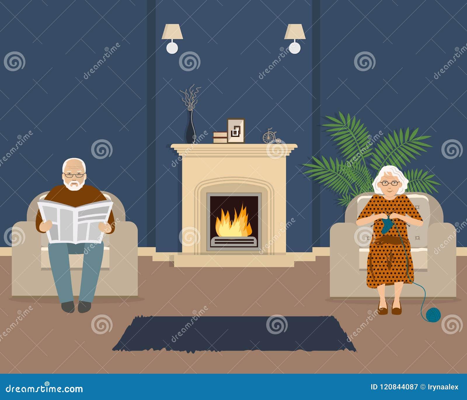 Старшая пара сидит в живущей комнате около камина