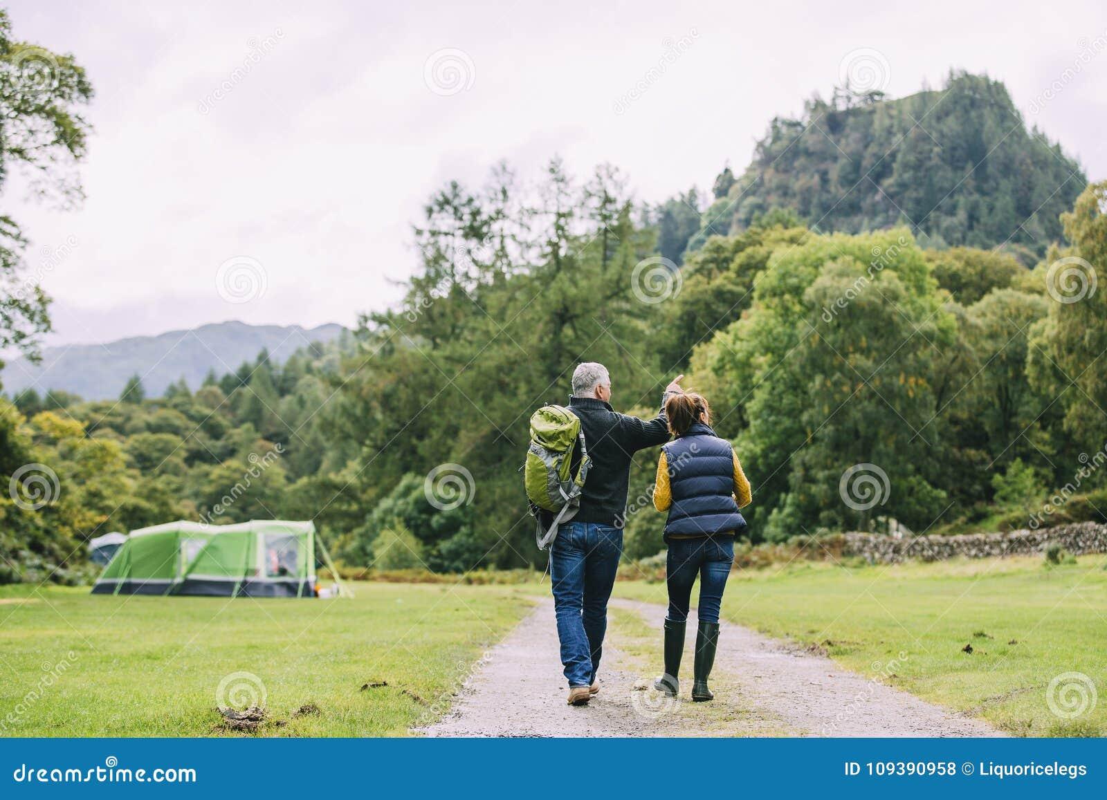 Старшие пары совместно
