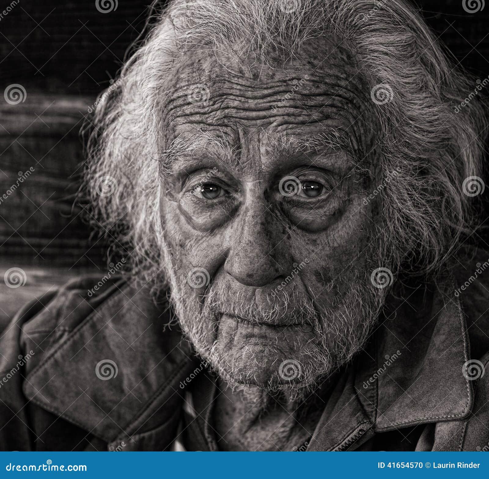 старший человека