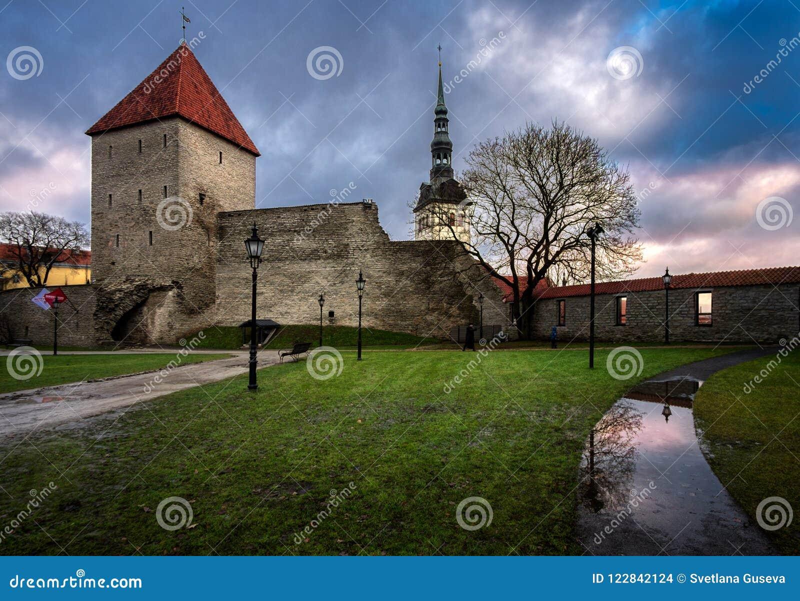 старые башни tallinn эстония