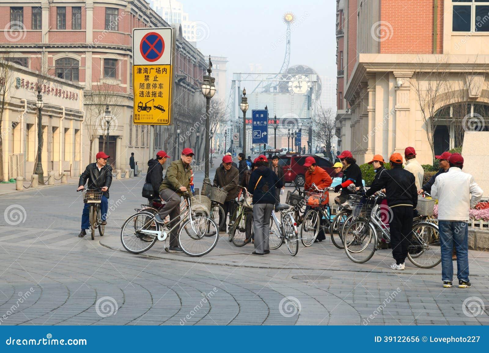 Старые велосипедисты