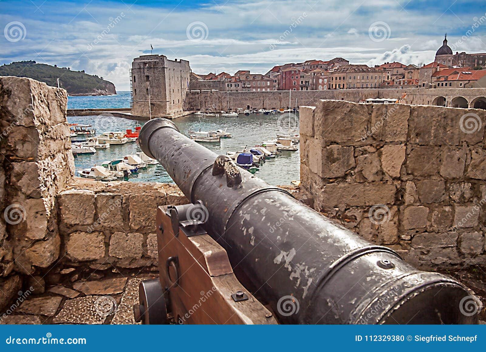 Старые городок и гавань Дубровника