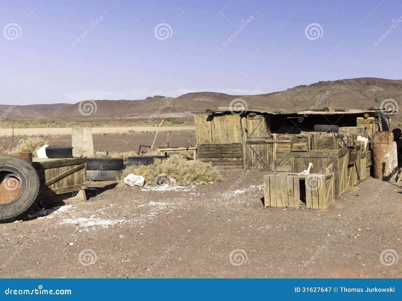 Старые деревянные клети в Марокко. Дизайн гавани газа установленный