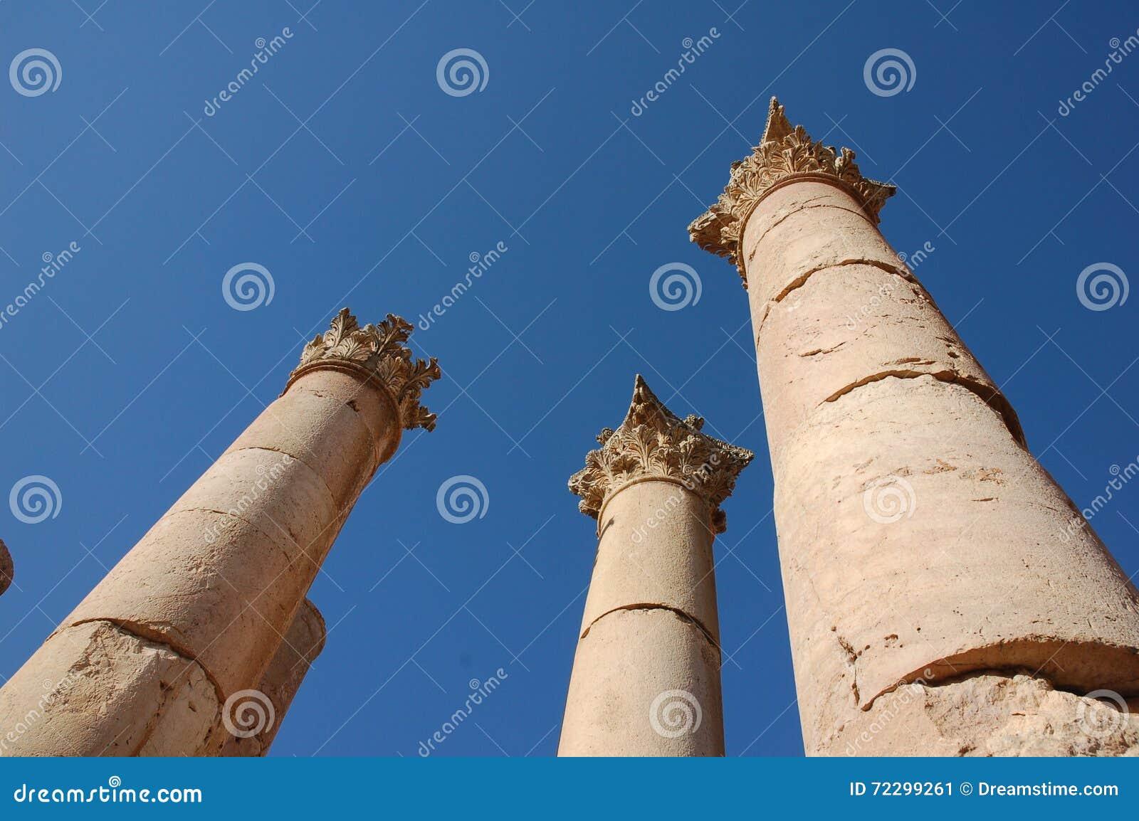 Download Старые столбцы в римском городе Gerasa, сегодня Jerash, Джордане Стоковое Изображение - изображение насчитывающей путешествие, песчаник: 72299261