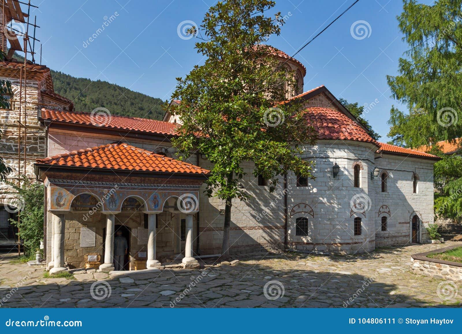 Старые церков в средневековом монастыре Bachkovo, Болгарии