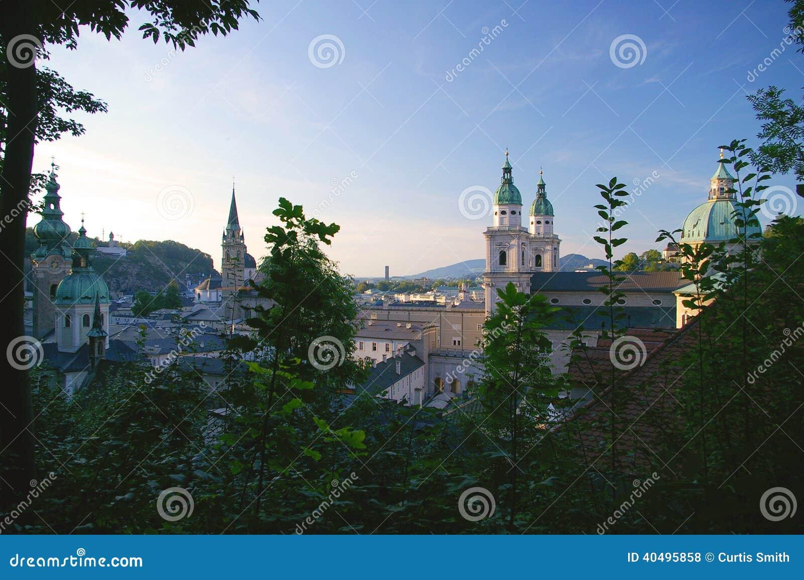 Старый городок Зальцбург, Австрия в лете