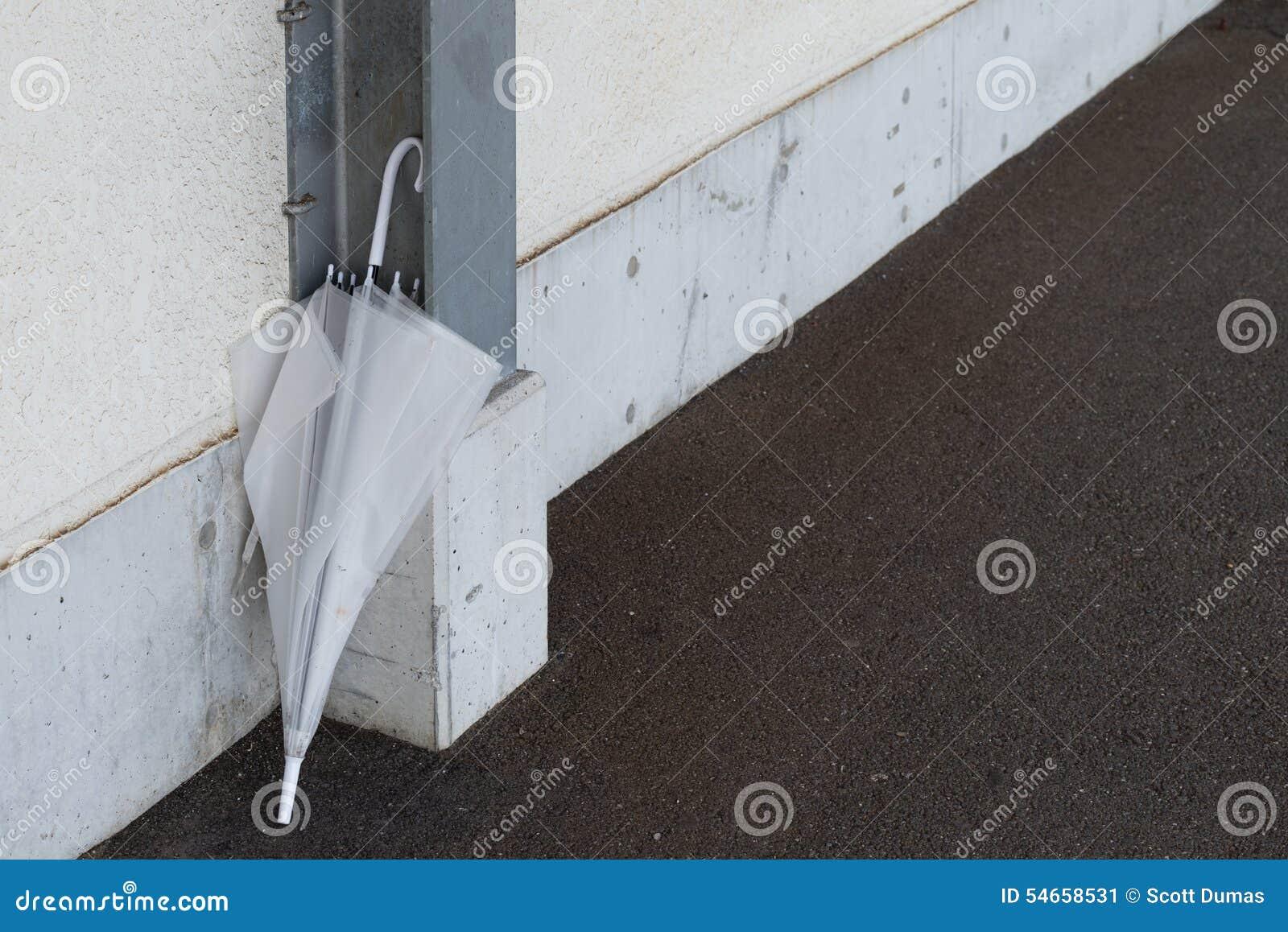 Забытый бетон тощий бетон состоит из
