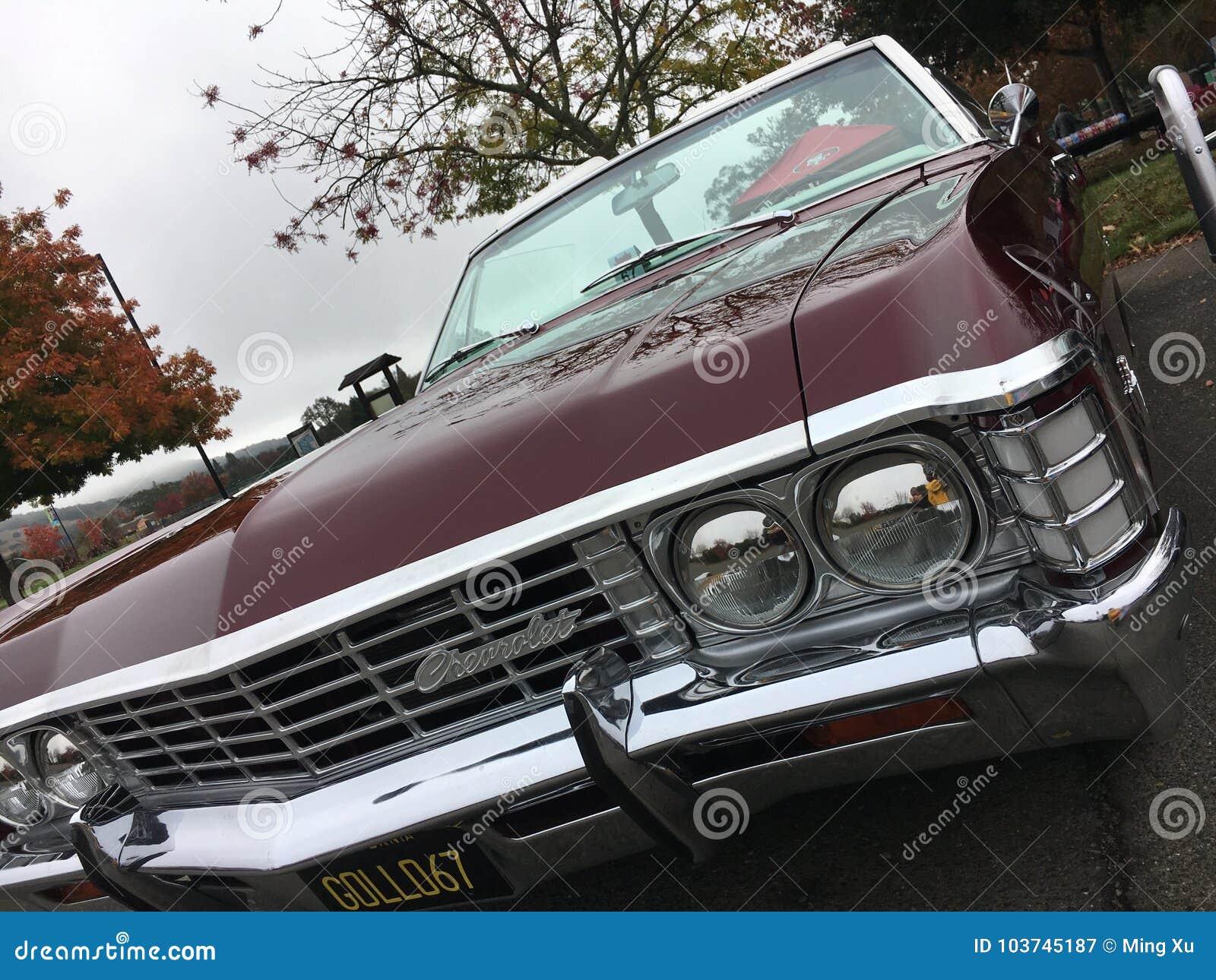 Старый классический автомобиль Америки