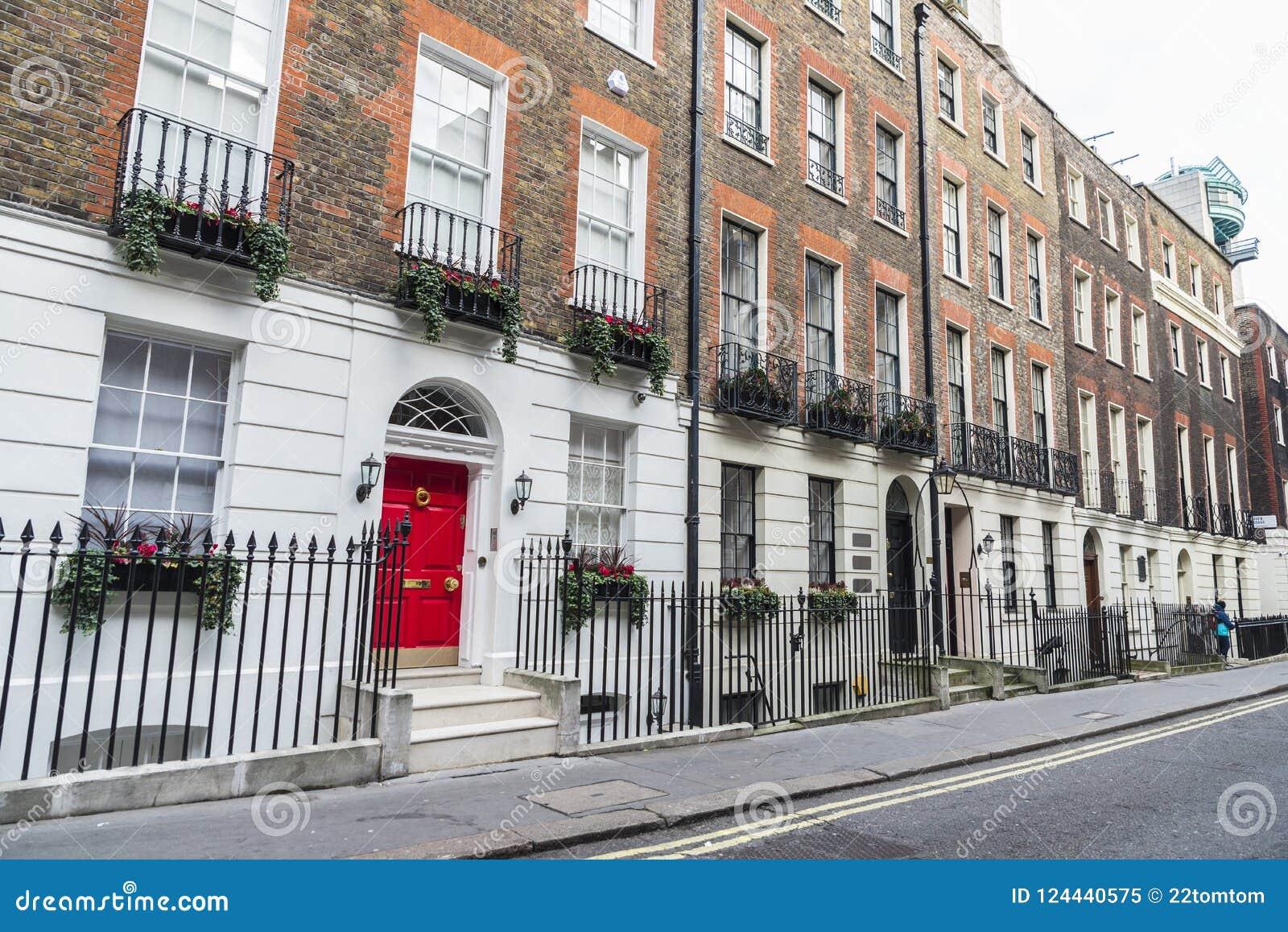 Дома в лондоне вилы дубае