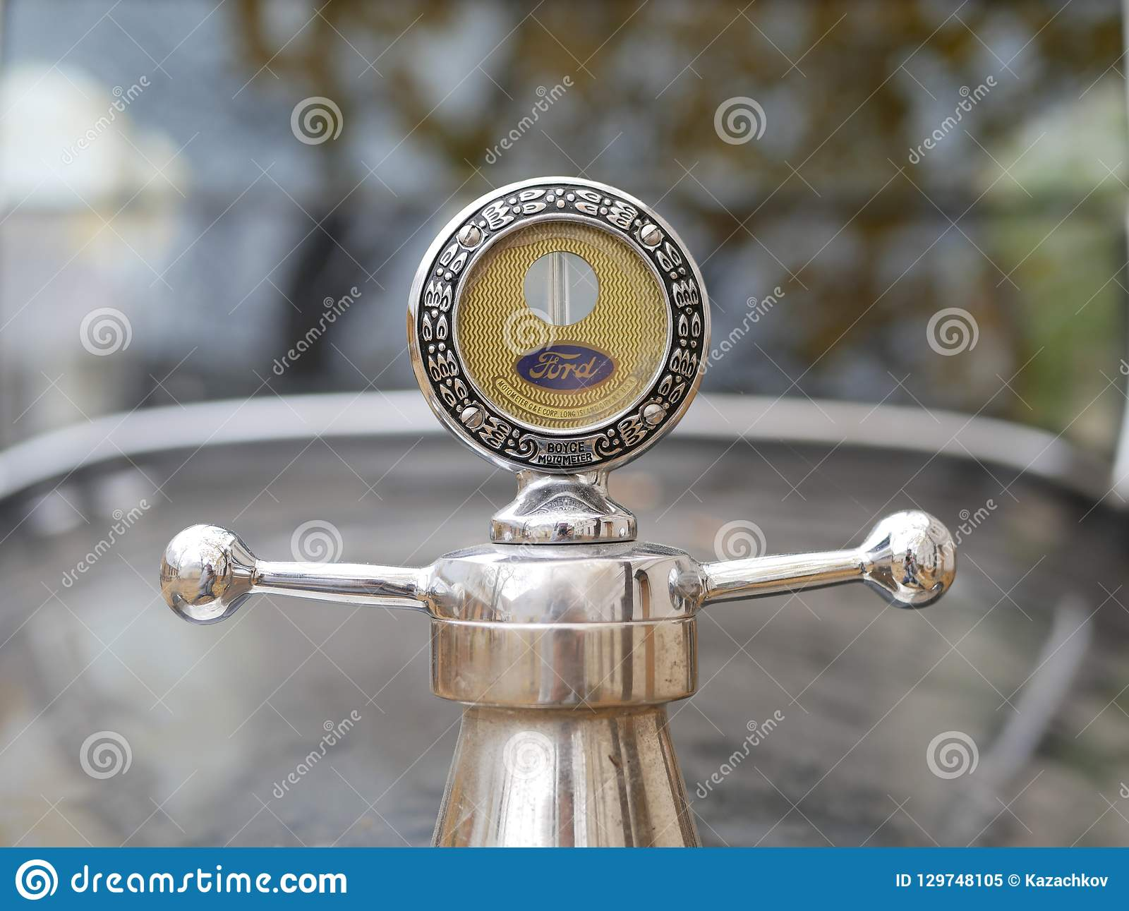 Старый логотип Форда