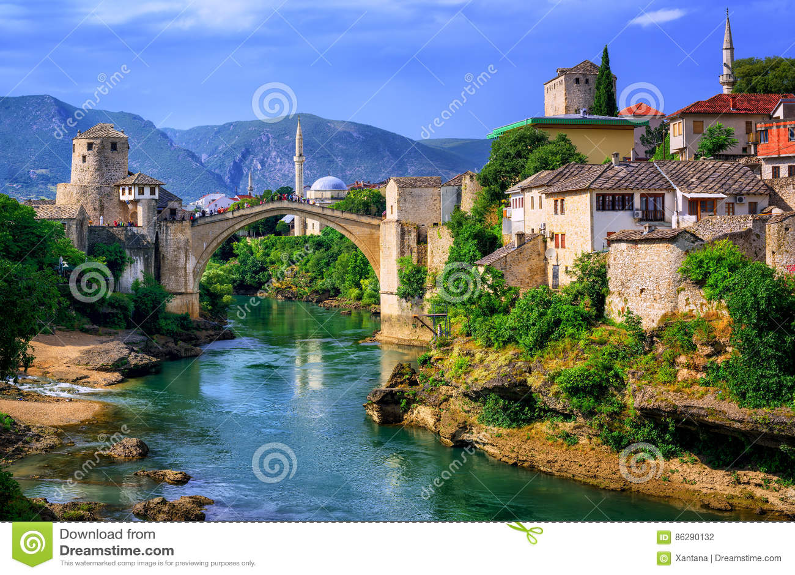 Старый мост Stari больше всего в Мостаре, Босния и Герцеговина