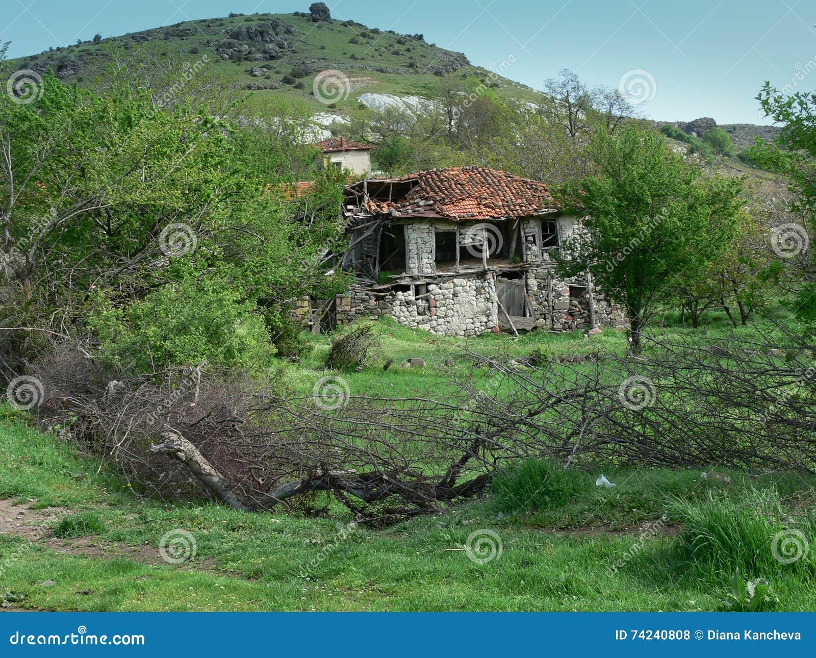 Старый дом в горе Rhodope, Болгарии