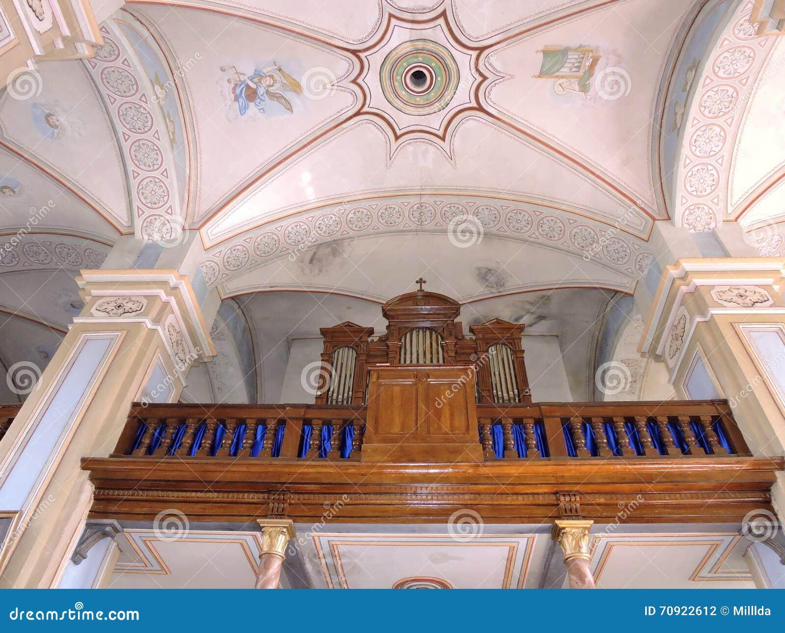 Старый орган в церков, Литве