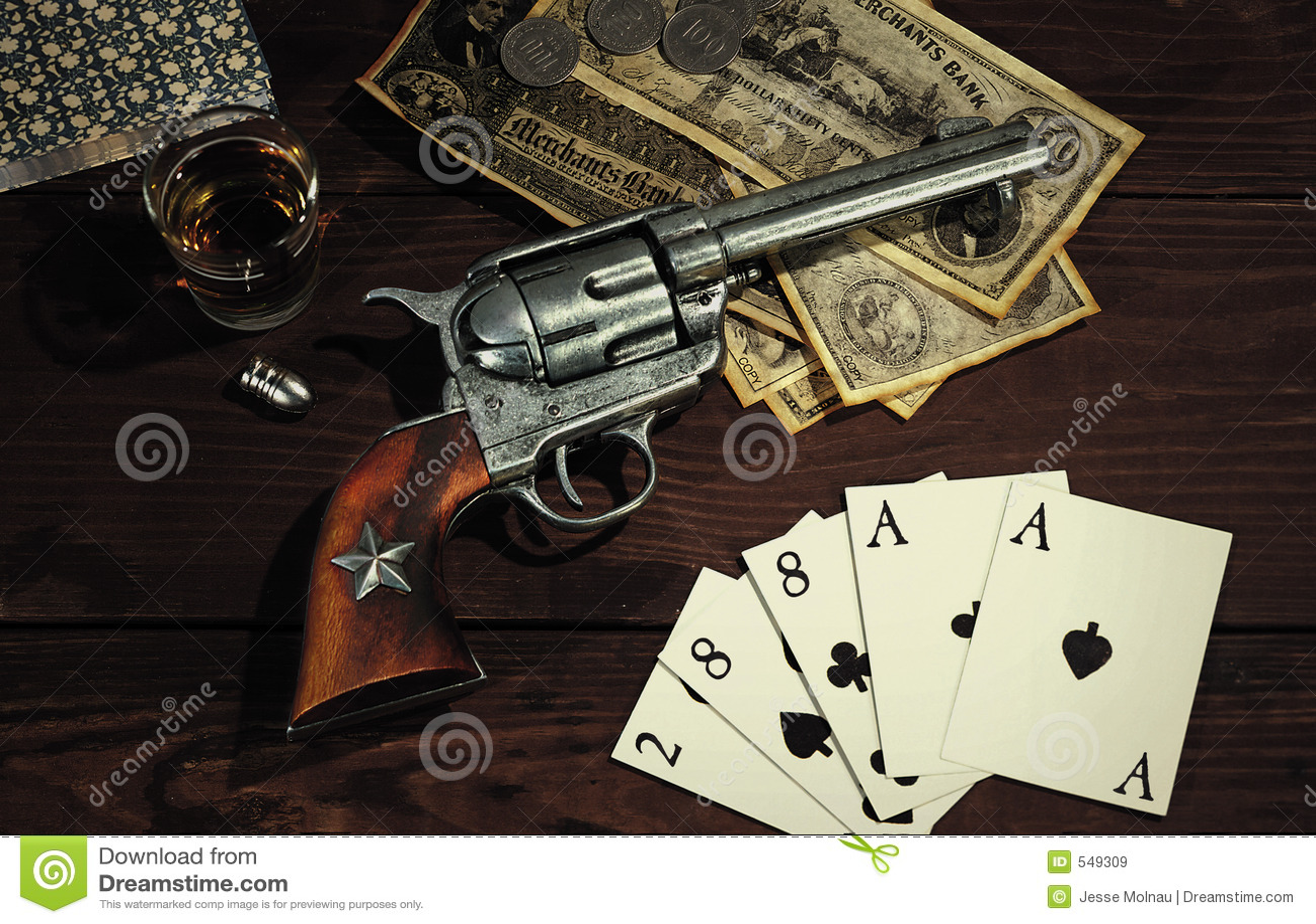 старый револьвер западный