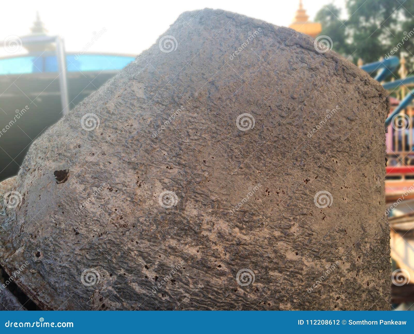 Старый смеситель цемента с ржавчиной