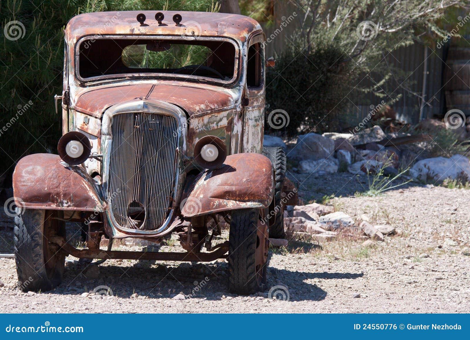 старье пустыни автомобиля старое