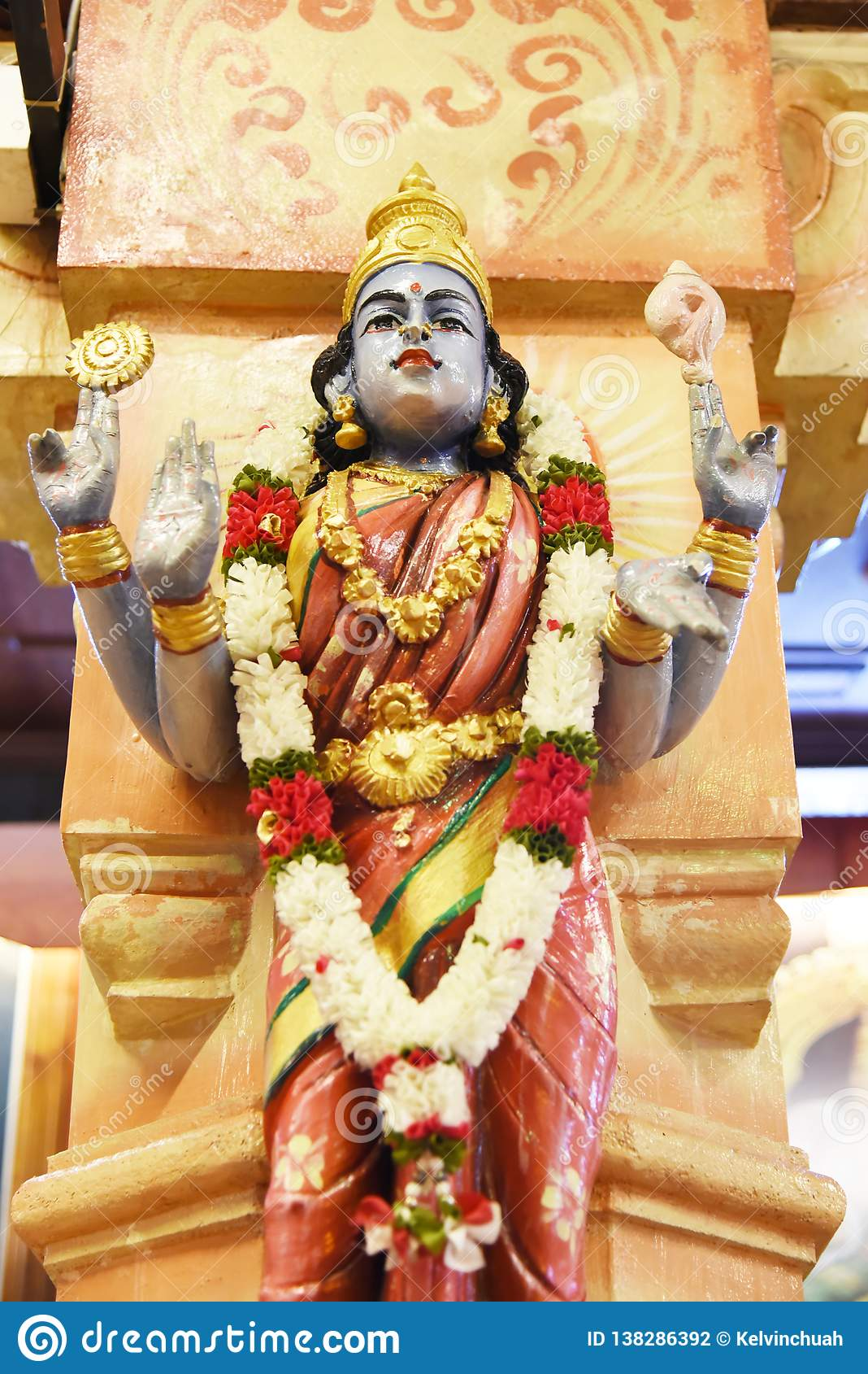 Статуи индусских богов