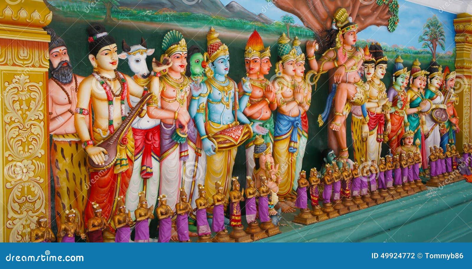 Статуи индусского виска