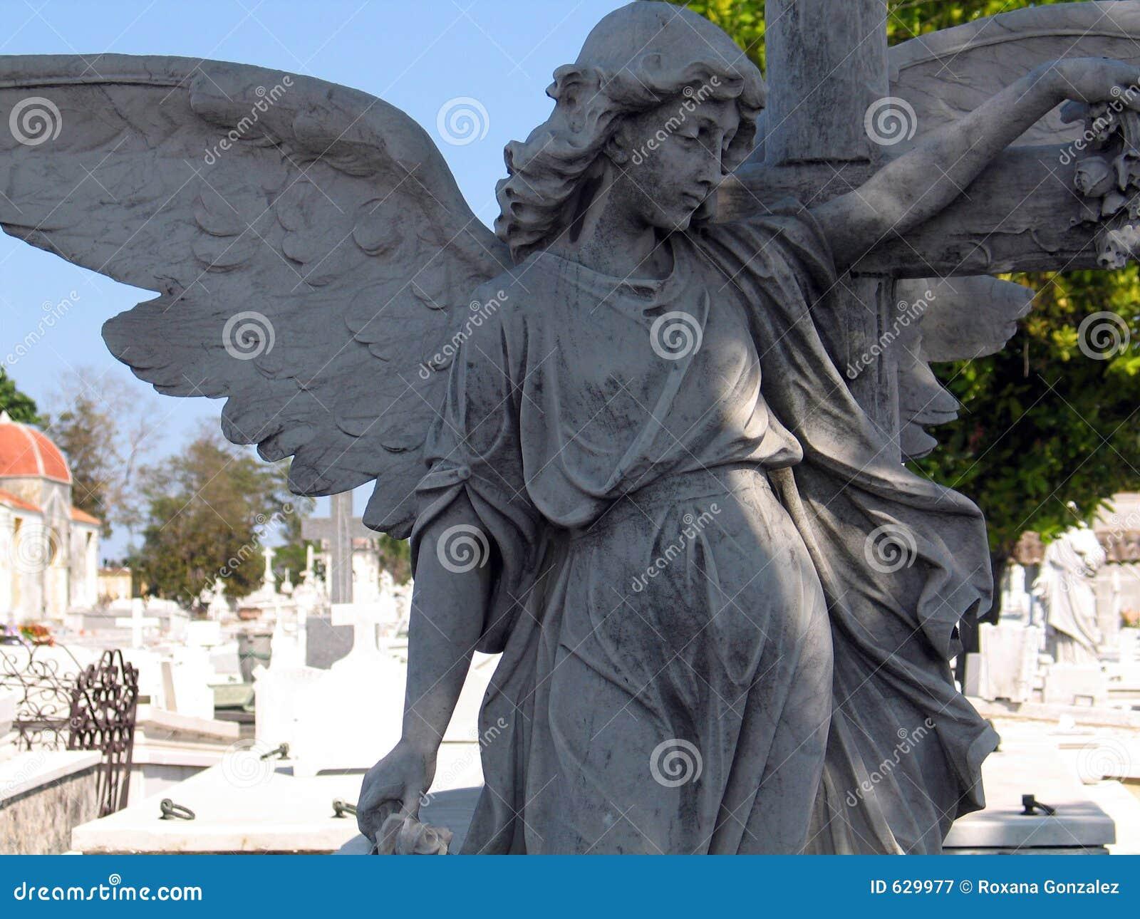 Download статуя ангела стоковое изображение. изображение насчитывающей статуя - 629977