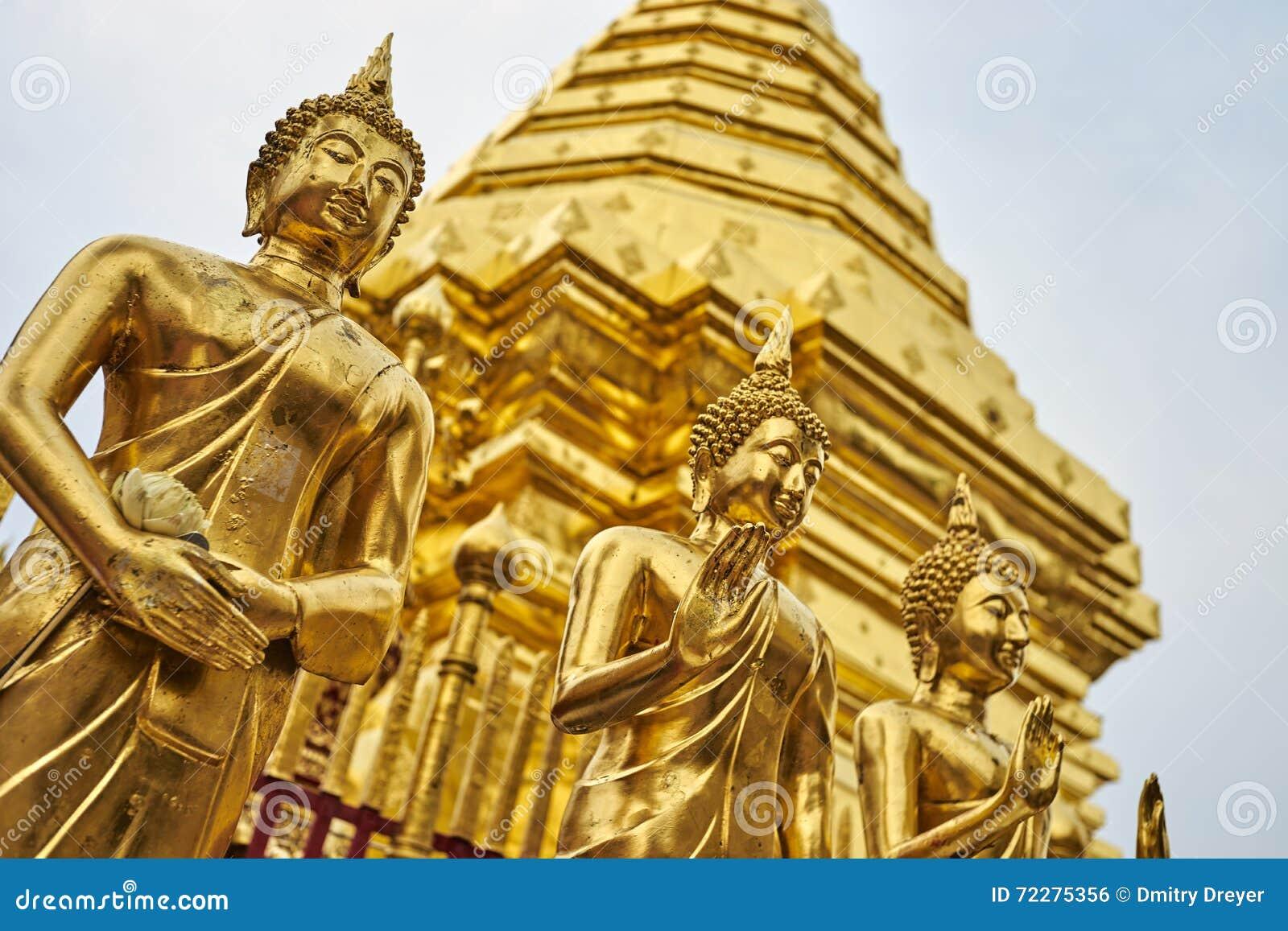 Download статуя Будды золотистая стоковое фото. изображение насчитывающей мирно - 72275356