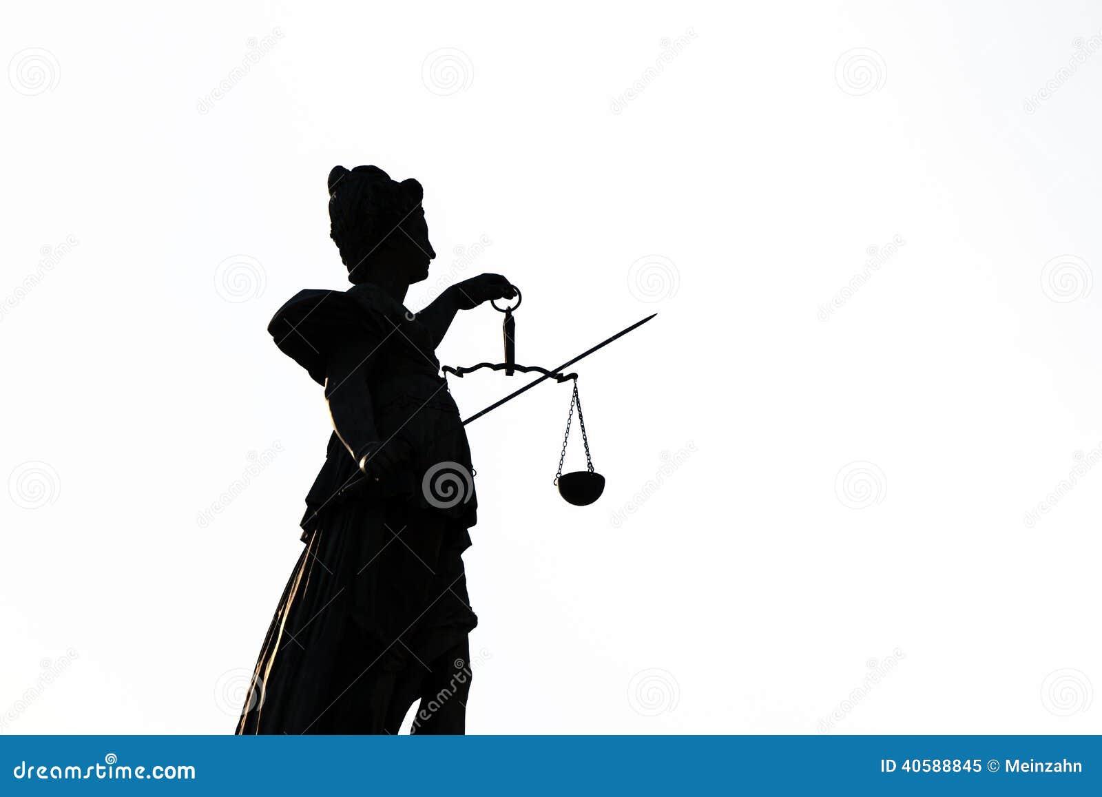 статуя основы повелительницы правосудия frankfurt