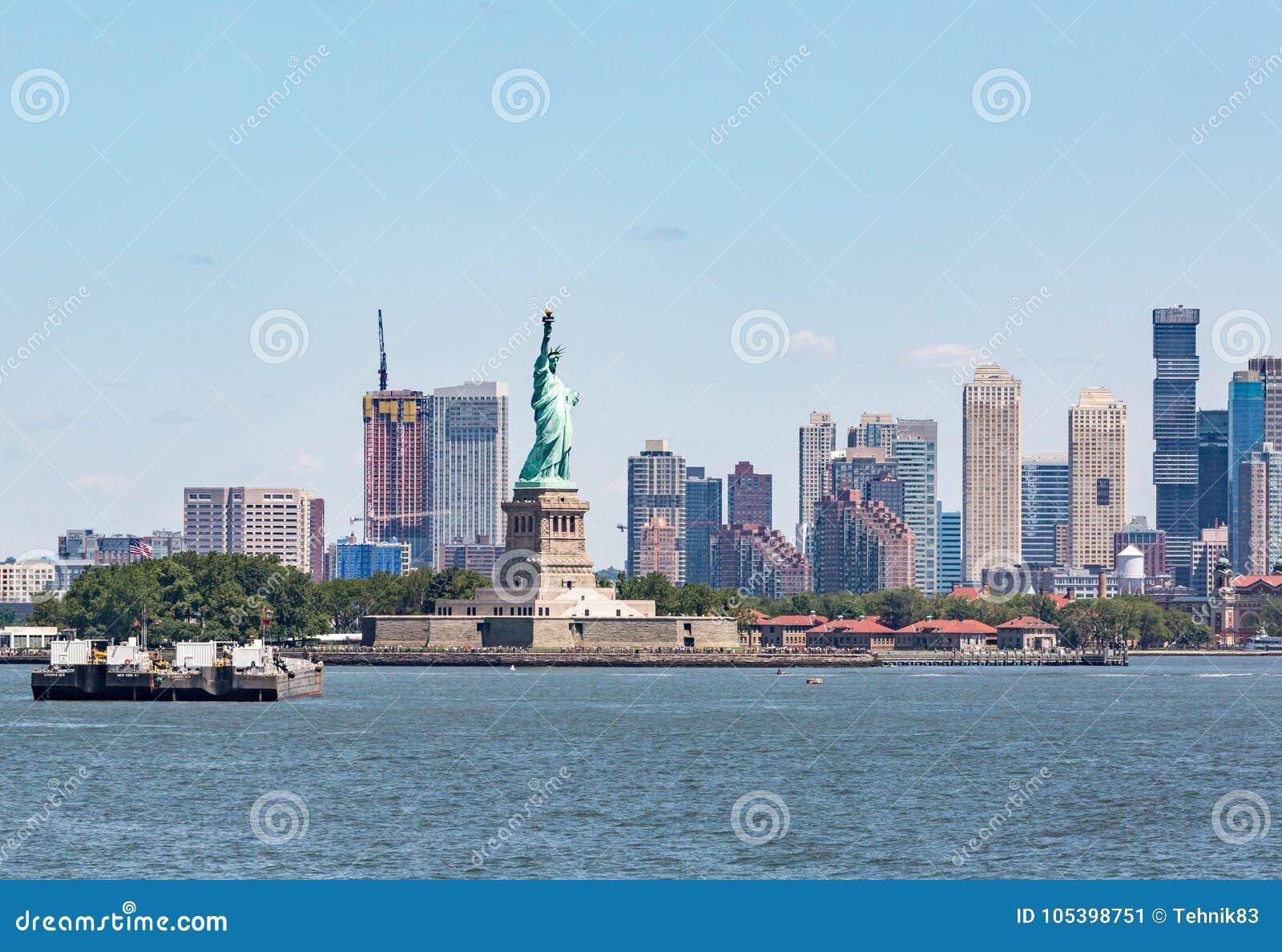 Статуя свободы - 9-ое июля 2017, остров свободы, Нью-Йорк Harb