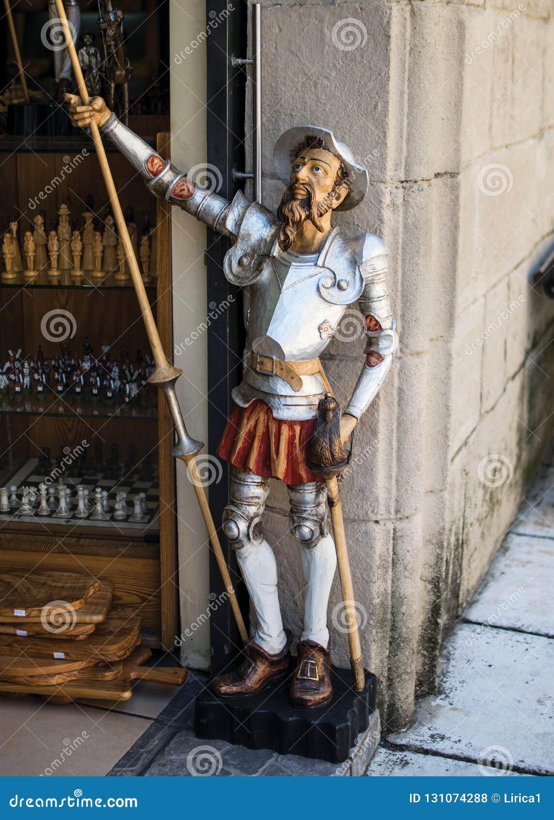 статуя Don Quixote