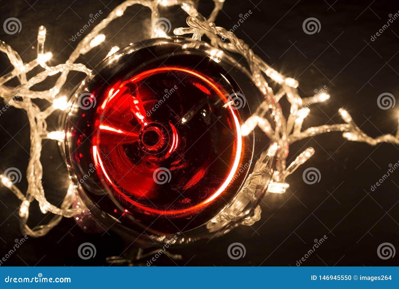 Стекло красного вина
