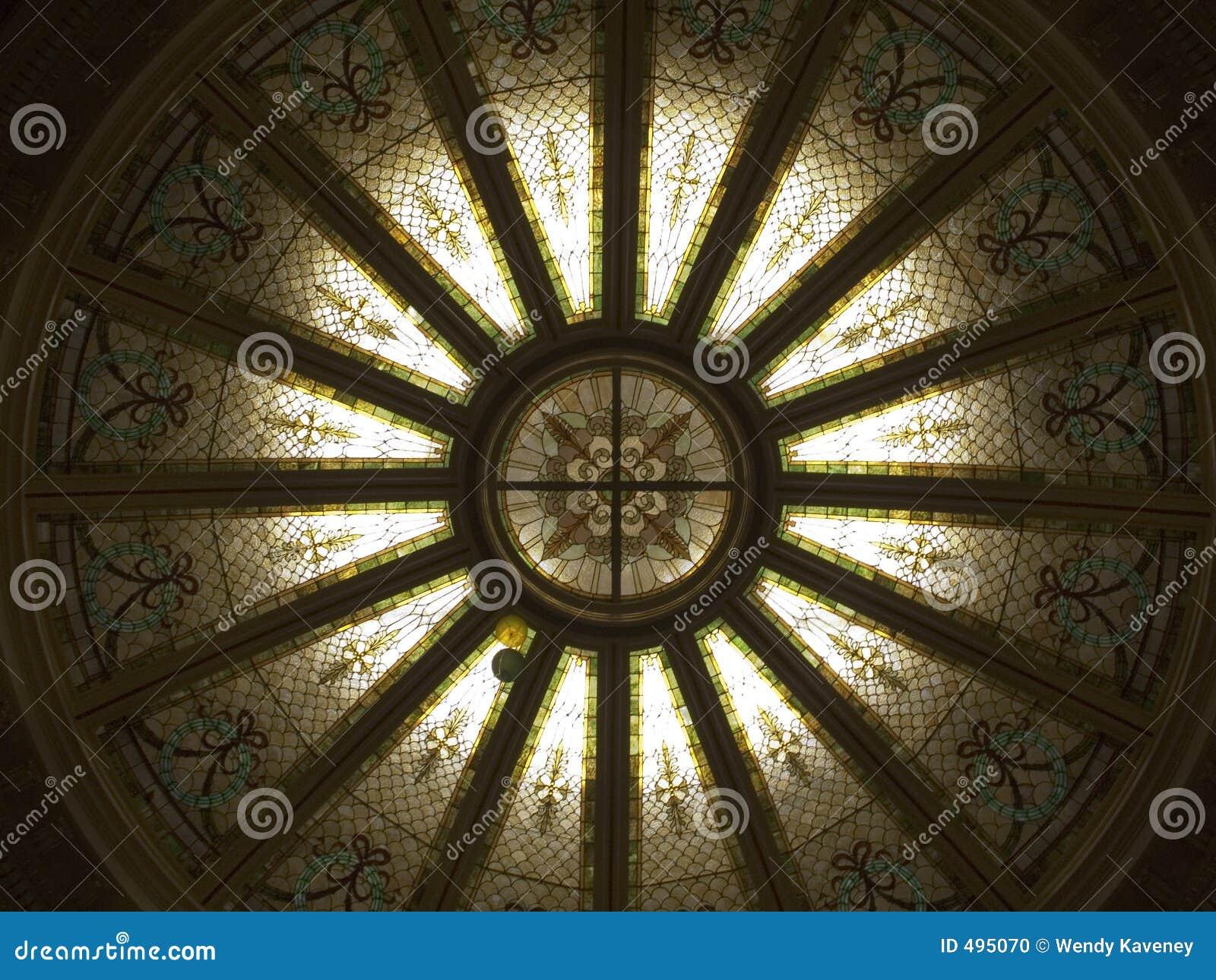 стекло купола