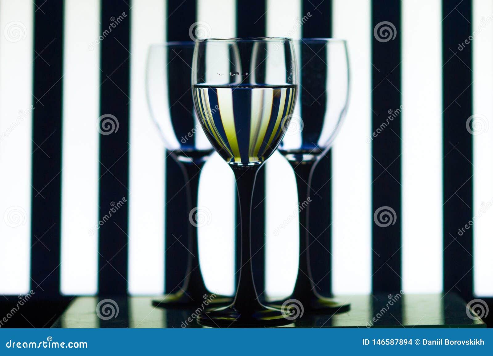 Стеклянные стекла на прокладках предпосылки
