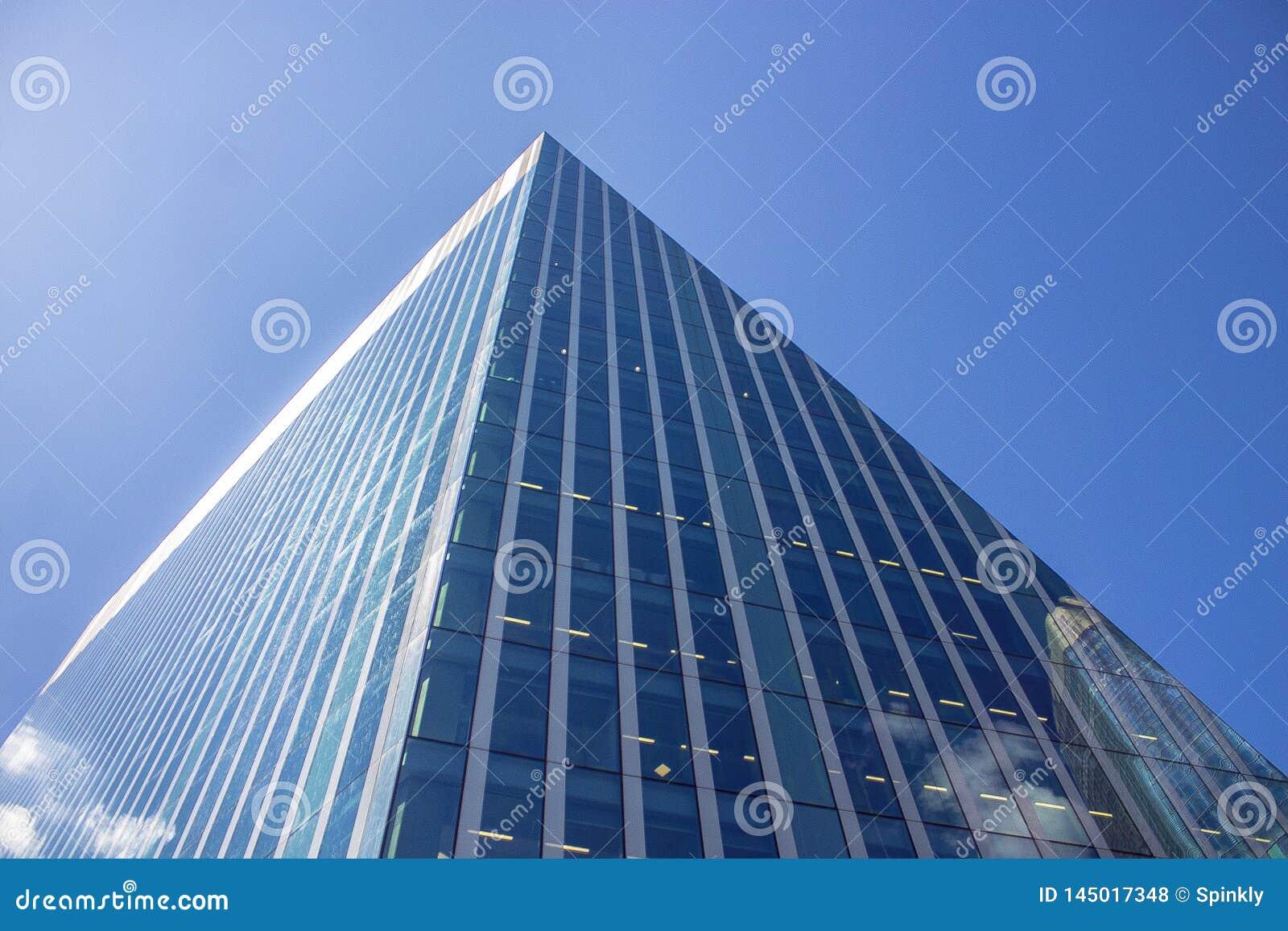 Обои здание, стекло, окна, Вверх. Города foto 15