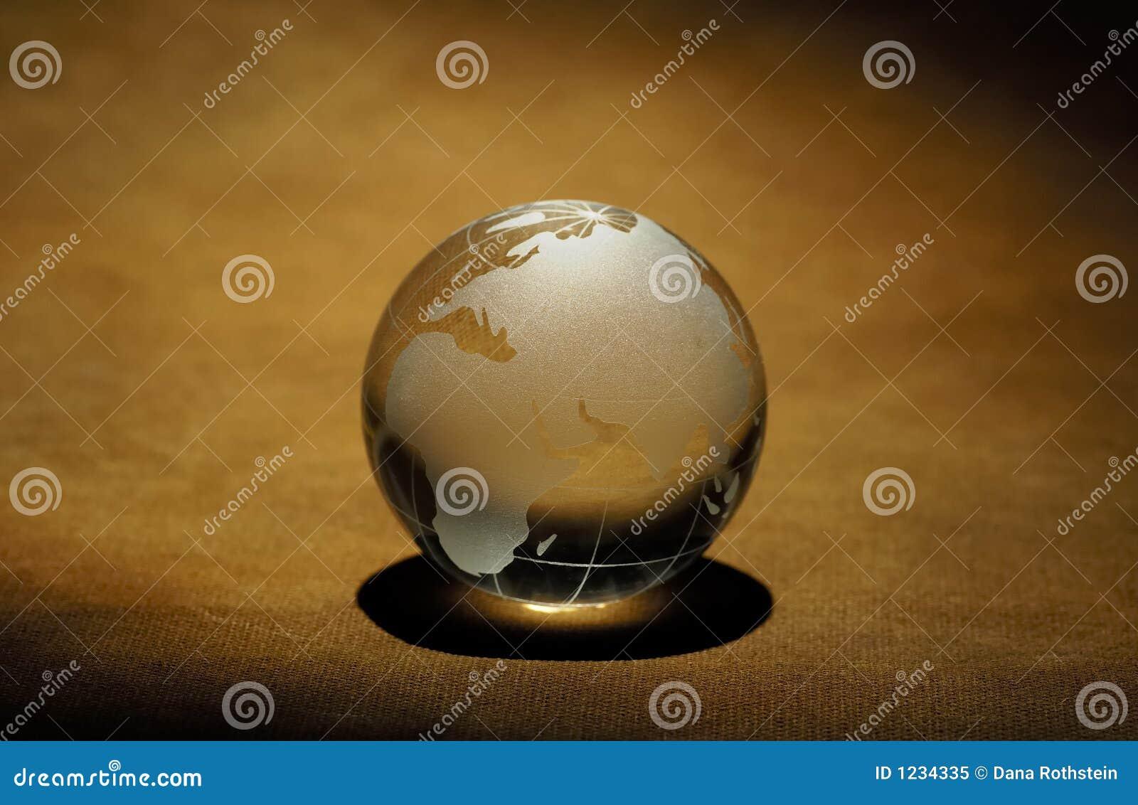 стеклянный глобус