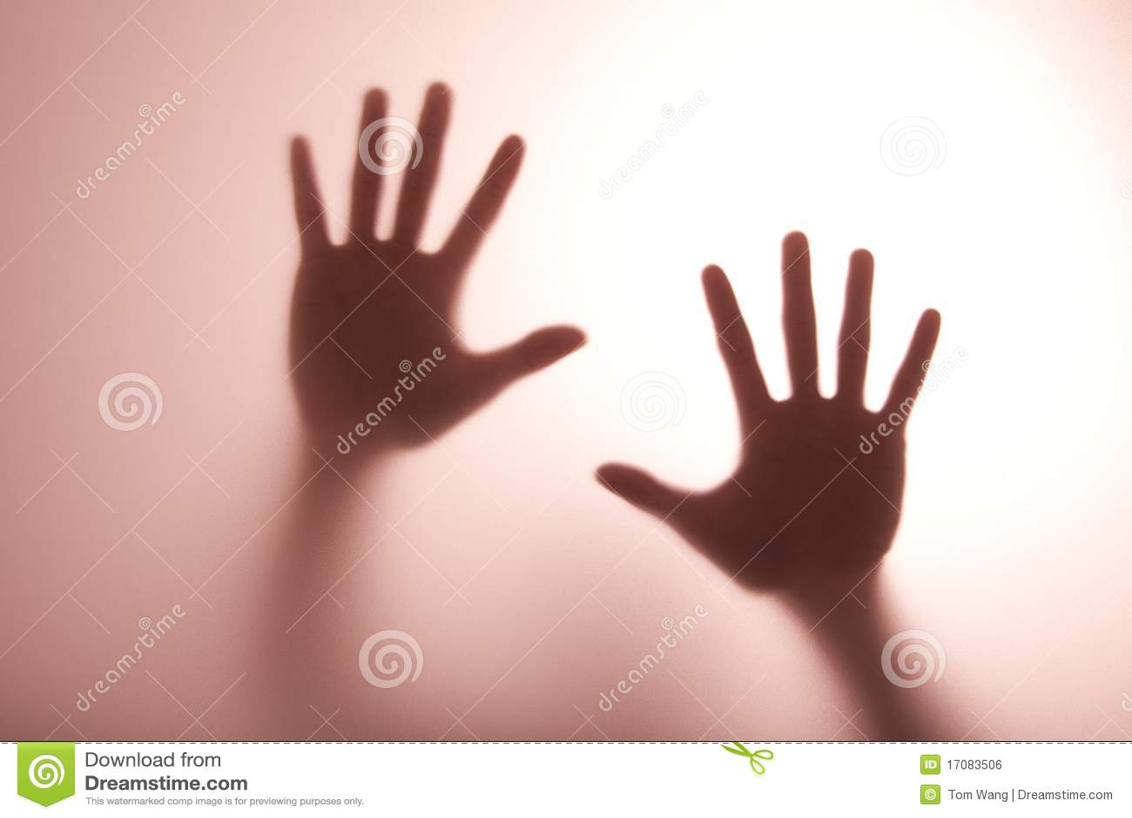 стеклянный тон света руки касающий греет