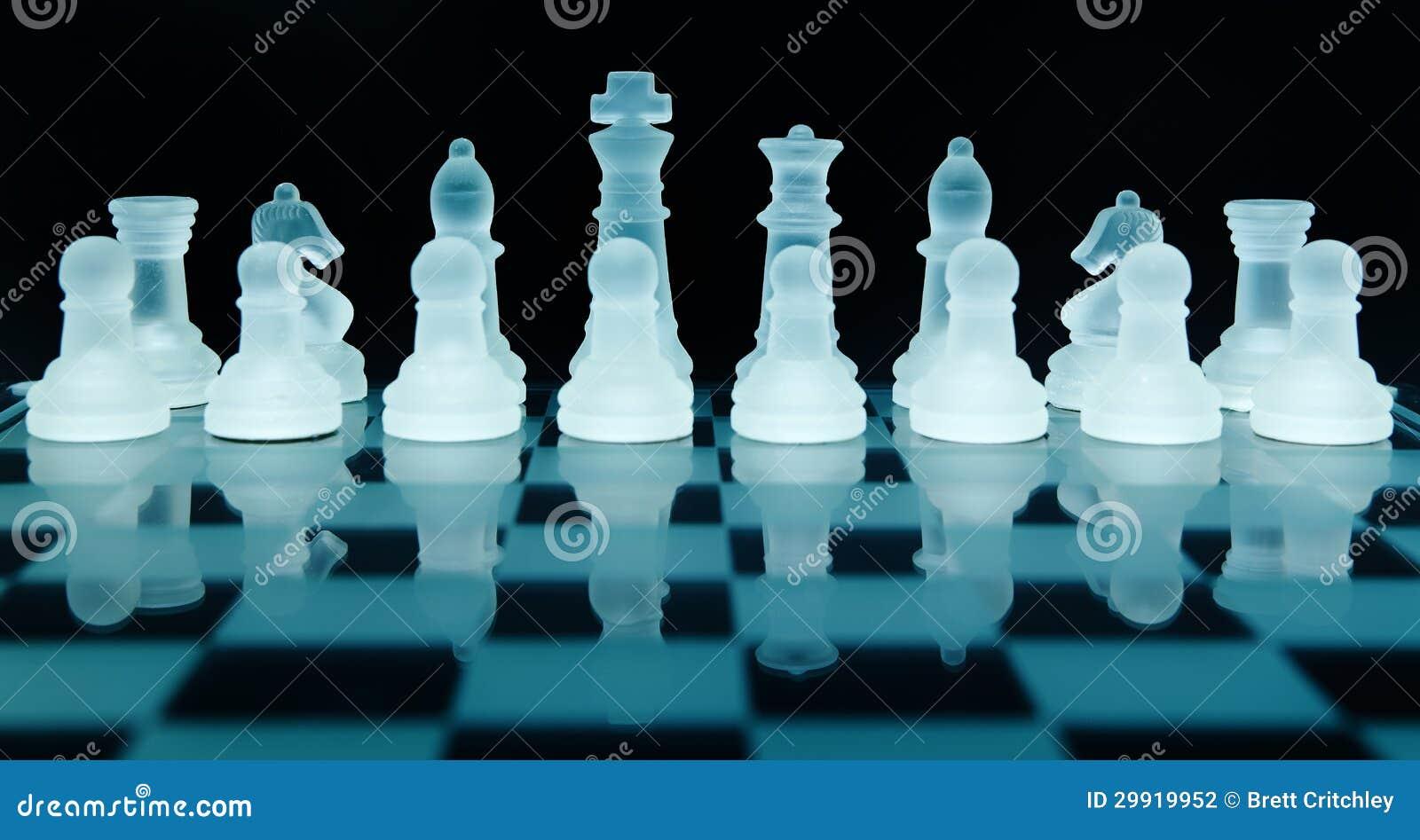 Стеклянные части шахмат