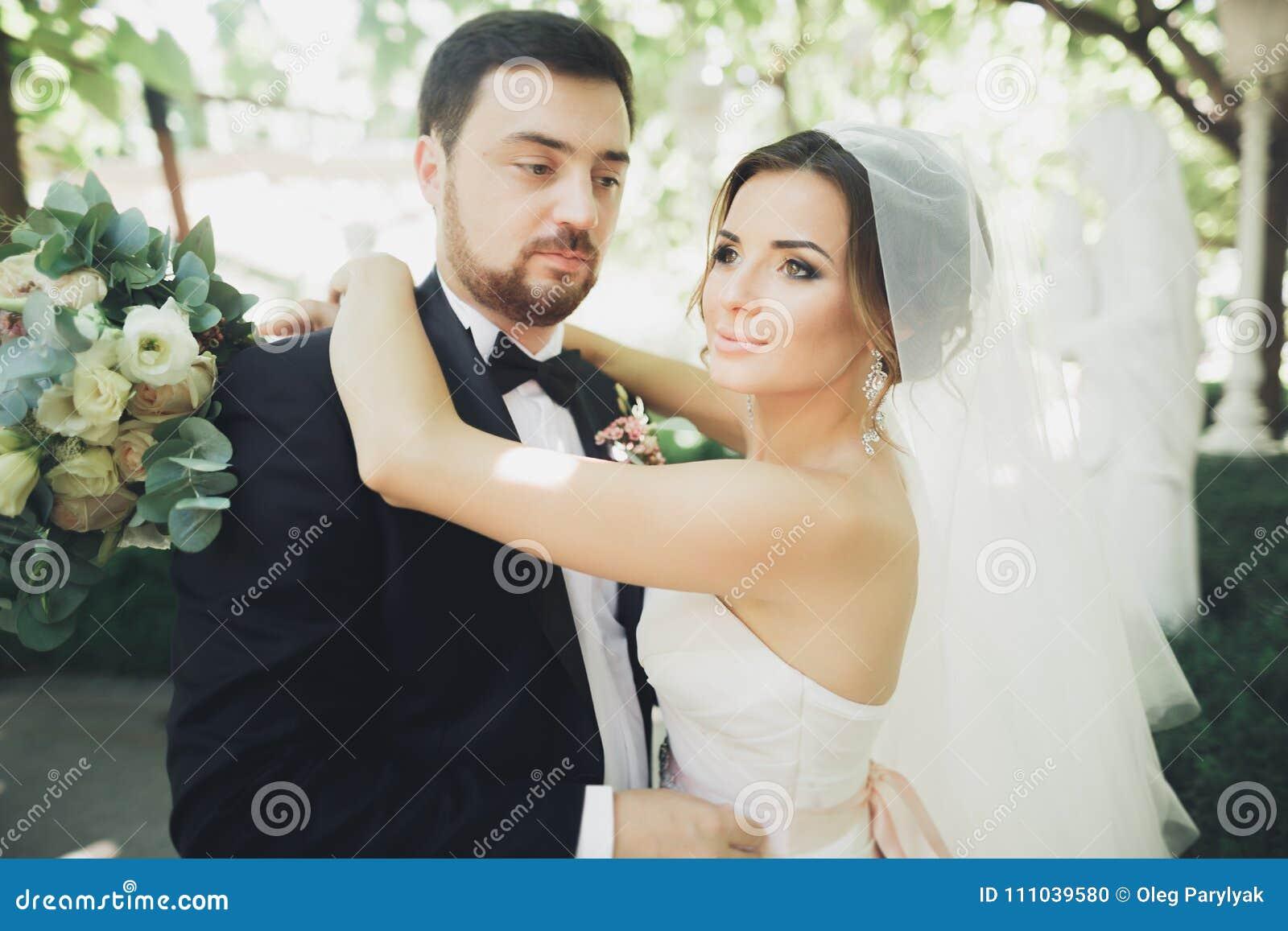 Новобрачные на домашнем видео, секси секретарша ролик