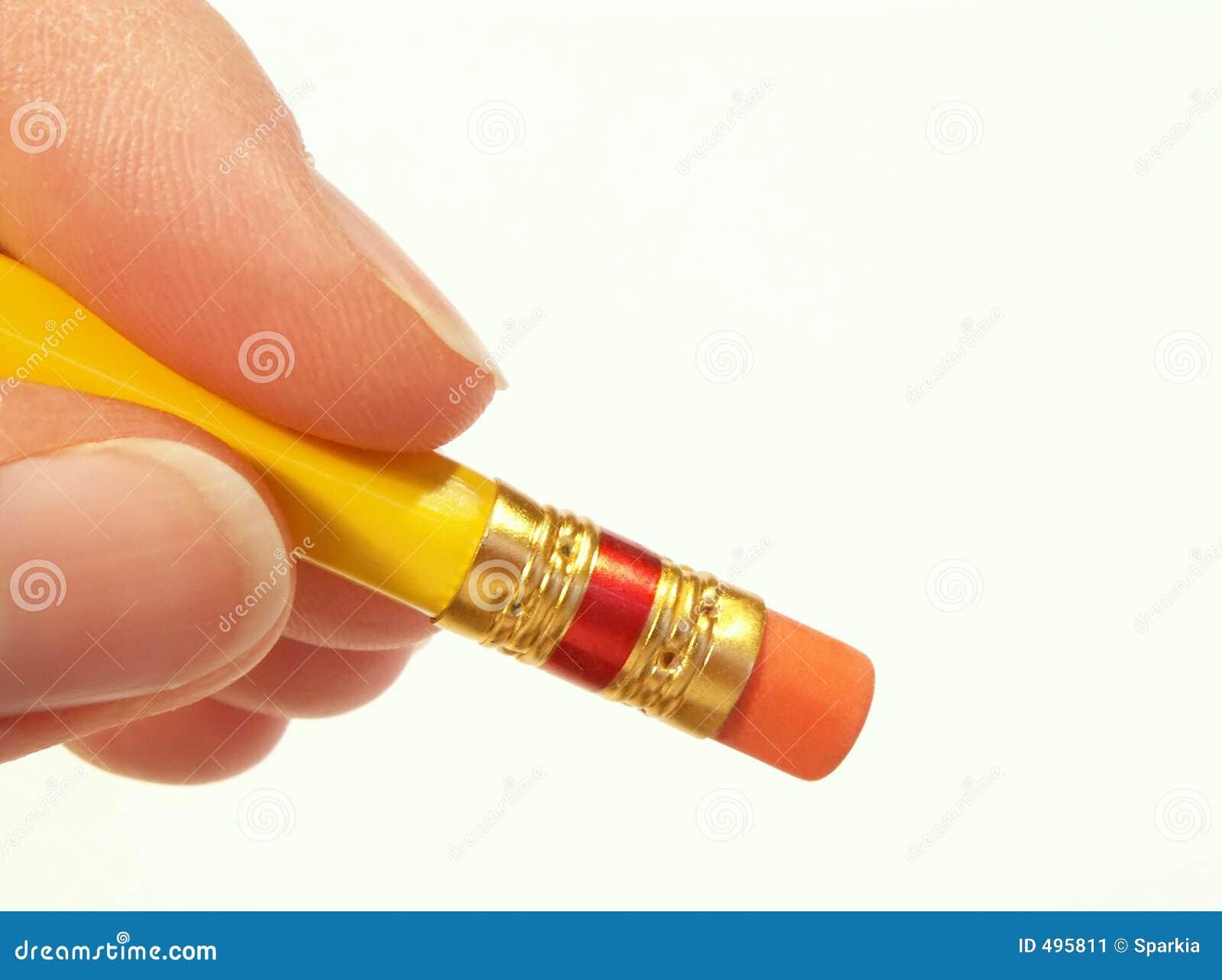 стирать карандаш руки